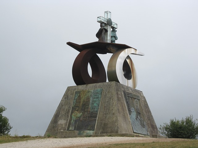 Monument to John Paul II by JuanMoralesCanovas via Pixabay. CCO